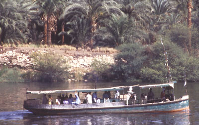 nile river essays Read this miscellaneous essay and over 88,000 other research documents the nile river the nile river was a gift to all the people who lived in egypt in the 5th century.