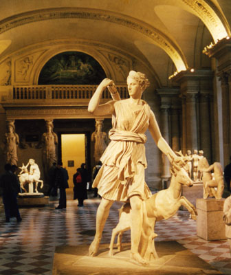 Photo of statue in Louvre