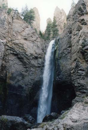 Photo of waterfall in Yellowstone NP