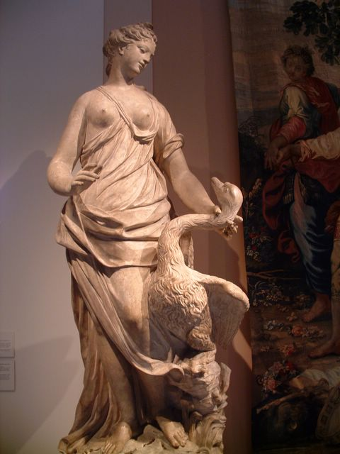 photo of statue at the Metropolitan Museum of Art, NYC